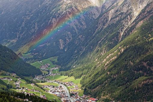 Central Eastern Alps「Austria, Tyrol, Oetztal, rainbow above Soelden」:スマホ壁紙(6)