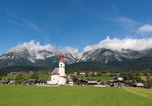 Kaiser Mountains「Austria, Tyrol, Going am Wilden Kaiser, View of town」:スマホ壁紙(10)