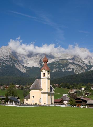 Wilder Kaiser「Austria, Tyrol, Going am Wilden Kaiser, View of town」:スマホ壁紙(19)