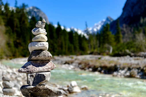 European Alps「Austria, Tyrol, Hinterautal, cairn at Isar River」:スマホ壁紙(14)