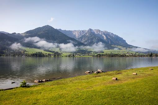 Walchsee「Austria, Tyrol, Kaiser mountains, Walchsee with Zahmer Kaiser」:スマホ壁紙(10)