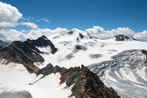 Ötztal Alps「Austria, Tyrol, Ötztal Alps, Pitz valley, View to Wildspitze」:スマホ壁紙(5)