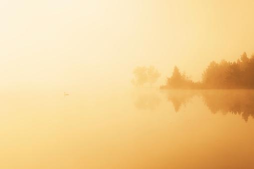 Walchsee「Austria, Tyrol, Lake Walchsee at haze」:スマホ壁紙(15)