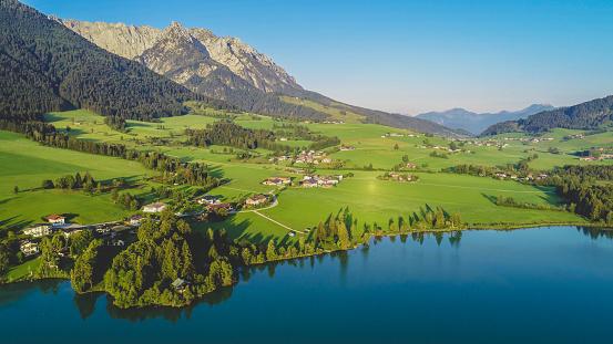 Kaiser Mountains「Austria, Tyrol, Kaiserwinkl, Aerial view of lake Walchsee」:スマホ壁紙(18)