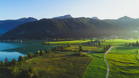Walchsee「Austria, Tyrol, Kaiserwinkl, Aerial view of lake Walchsee」:スマホ壁紙(8)