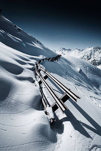 Austria, Tyrol, Ischgl, avalanche protection in winter landscape in the mountains:スマホ壁紙(壁紙.com)