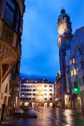 北チロル「Austria, Tyrol, Innsbruck, Old town at dusk」:スマホ壁紙(13)