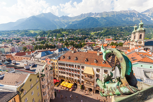Cathedral「Austria, Tyrol, Innsbruck, Old town, Herzog-Friedrich-Strasse, Helblinghaus, Goldenes Dachl, Cathedral」:スマホ壁紙(4)