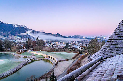 Kitzbühel「Austria, Tyrol, Kitzbuehel, view to the city at morning twilight」:スマホ壁紙(1)