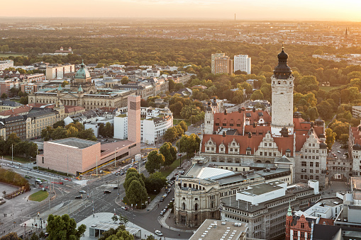 Saxony「Germany, Saxony, Leipzig, View to New Townhall, St. Trinitatis and Federal Administrative Court at sunset」:スマホ壁紙(17)