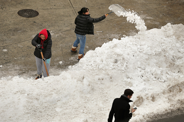 2016 Winter Storm Jonas「Washington, D.C. Area Continues To Dig Out From Historic Snow Storm」:写真・画像(9)[壁紙.com]