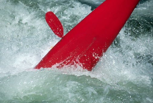 Capsizing「Kayak Overturned in Whitewater Rapids」:スマホ壁紙(9)