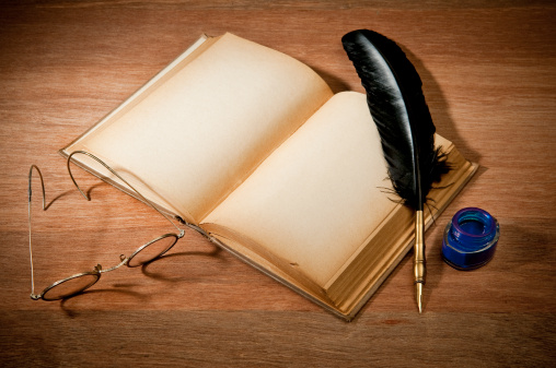 Fairy Tale「Old Book With Quill Pen」:スマホ壁紙(7)