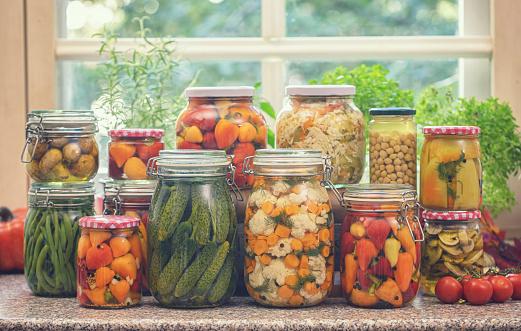 Bush Bean「Pickled Organic Vegetables in Jars」:スマホ壁紙(10)