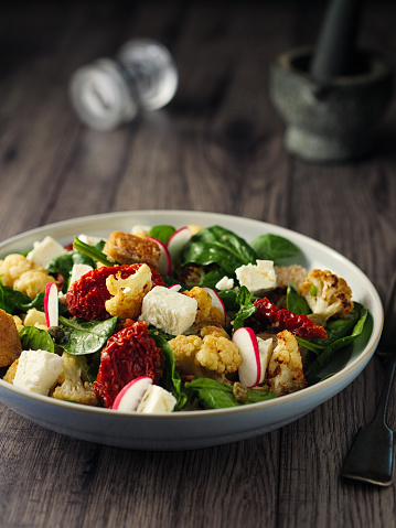 Cauliflower「Winter Panzanella salad」:スマホ壁紙(17)