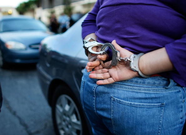 Arrest「Miami's Mortgage Fraud Task Force Works To Stop Foreclosures」:写真・画像(16)[壁紙.com]