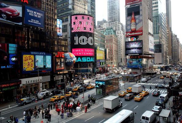 ニューヨーク市「Times Square Celebrates 100th Anniversary」:写真・画像(8)[壁紙.com]