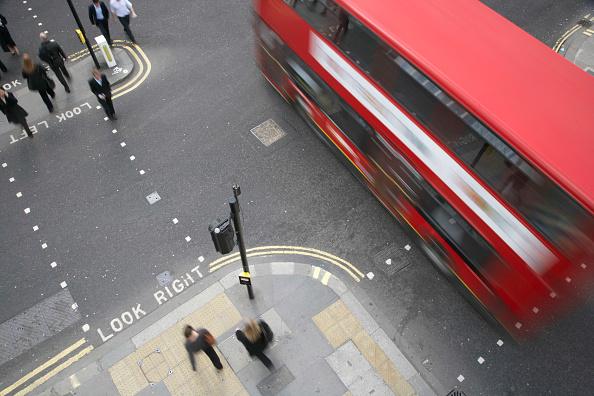 Bus「Traffic and Pedestrians, City of London, UK」:写真・画像(19)[壁紙.com]