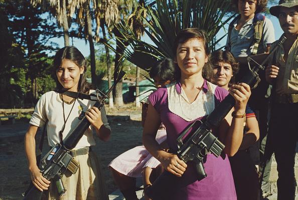 El Salvador「Guerrilla Girls」:写真・画像(8)[壁紙.com]