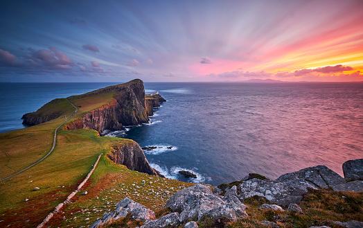 Highland Islands「Neist point lighthouse, Isle of Skye, Scotland, UK」:スマホ壁紙(15)