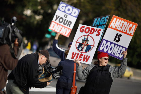 WBC「Supreme Court Hears First Amendment Case On Protests At Military Funerals」:写真・画像(2)[壁紙.com]