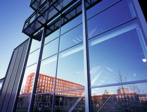 North Brabant「Buildings reflecting in glass office facade」:スマホ壁紙(13)