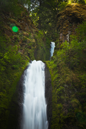 Columbia Gorge National Scenic Area「The upper portion of Wahkeena Falls」:スマホ壁紙(11)