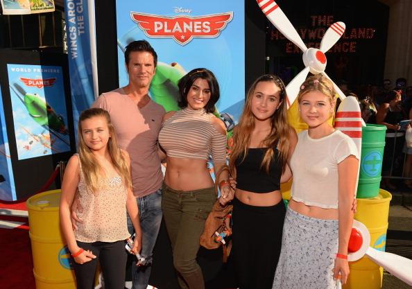 "Lorenzo Lamas「Premiere Of Disney's ""Planes"" - Red Carpet」:写真・画像(9)[壁紙.com]"