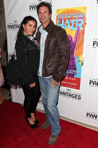"""Lorenzo Lamas「Opening Night Of """"Hair"""" At The Pantages Theatre - Red Carpet」:写真・画像(7)[壁紙.com]"""
