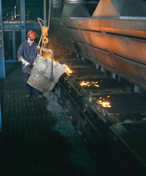 Steel production plant, Midlands, UK.:ニュース(壁紙.com)