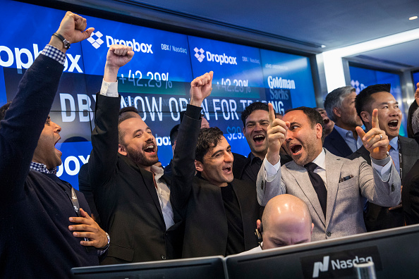 Drew Angerer「Dropbox Debuts On Nasdaq Exchange」:写真・画像(4)[壁紙.com]