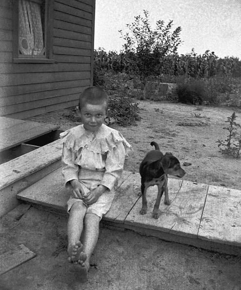 Footpath「Young Boy With Dog」:写真・画像(13)[壁紙.com]