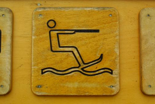 Water-skiing「Water skiing sign」:スマホ壁紙(12)