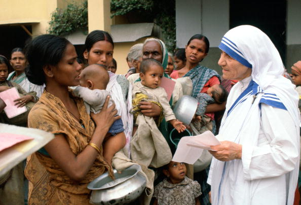 A Helping Hand「Mother Teresa at her Mission, Calcutta, India」:写真・画像(7)[壁紙.com]