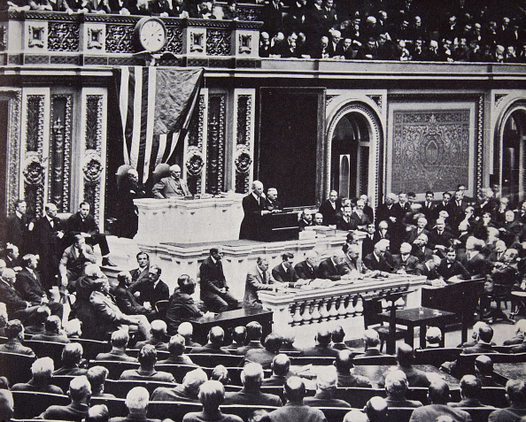 Entering「President Wilson In Congress Recommending The US Enter The War Against Germany 1917」:写真・画像(9)[壁紙.com]