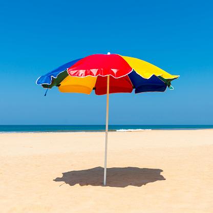 Beach「Beach Umbrella, Benota Beach, Sri Lanka」:スマホ壁紙(11)