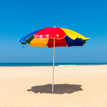 Beach Umbrella「Beach Umbrella, Benota Beach, Sri Lanka」:スマホ壁紙(14)