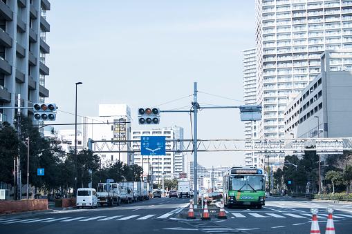 Road Signal「A bus runs town.」:スマホ壁紙(18)