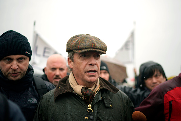 Christopher Furlong「Nigel Farage Launches The Pro-Brexit March To Leave From Sunderland」:写真・画像(8)[壁紙.com]
