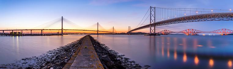 Fife - Scotland「UK, Scotland, Fife, Edinburgh, Firth of Forth estuary, Panorama view from South Queensferry of Forth Bridge, Forth Road Bridge and Queensferry Crossing Bridge at sunset」:スマホ壁紙(12)
