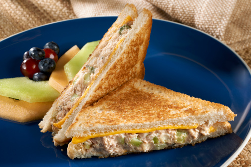 Tarragon「Tuna Salad Sandwich Melt」:スマホ壁紙(9)