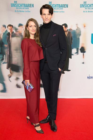 Black Suit「'Die Unsichtbaren' Premiere In Berlin」:写真・画像(18)[壁紙.com]