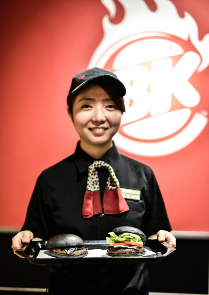 Fast Food「Burger King In Japan Goes Black」:写真・画像(18)[壁紙.com]