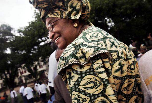 Women's Soccer「Presidential Hopeful Ellen Johnson Sirleaf Holds Parade Before Runoff Liberian Elections」:写真・画像(12)[壁紙.com]
