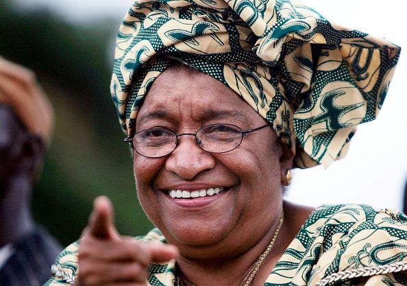 Women's Soccer「Presidential Hopeful Ellen Johnson Sirleaf Holds Parade Before Runoff Liberian Elections」:写真・画像(13)[壁紙.com]