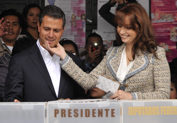 Enrique Pena Nieto「Mexicans Go To The Polls In Presidential Election」:写真・画像(9)[壁紙.com]