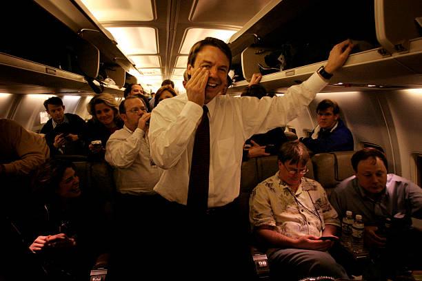 Edwards Heads Back To North Carolina To End Presidential Bid:ニュース(壁紙.com)