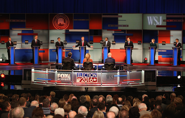 21st Century「GOP Presidential Candidates Debate In Milwaukee」:写真・画像(2)[壁紙.com]