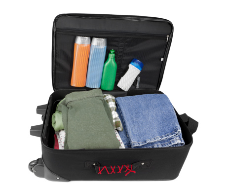 Deodorant「Suitcase with Clothes and Toiletries」:スマホ壁紙(12)