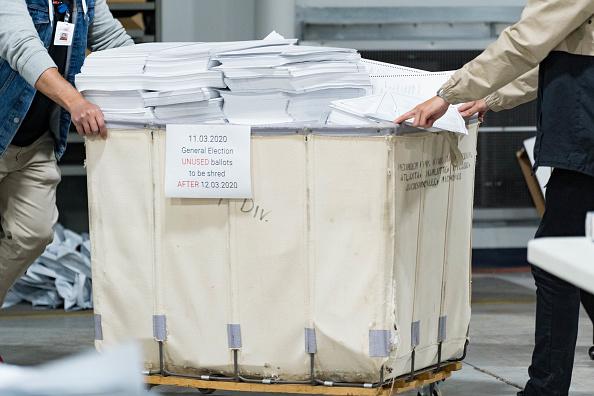 Voting Ballot「Georgia Recounts Election Ballots By Hand」:写真・画像(14)[壁紙.com]